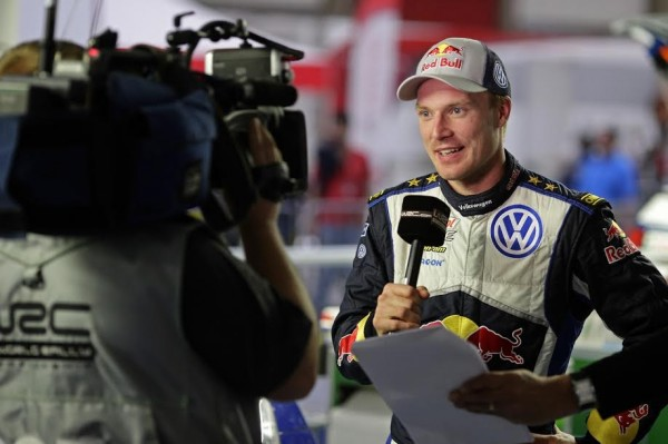 WRC-2015-PORTUGAL-JARI-MATTI-LATVALA-le-grand-vainqueur-2015.jpg 25 mai 2015
