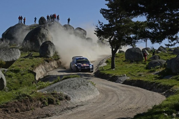 WRC-2015-PORTUGAL-VW-POLO-de-LATVALA-et-ANTILLA