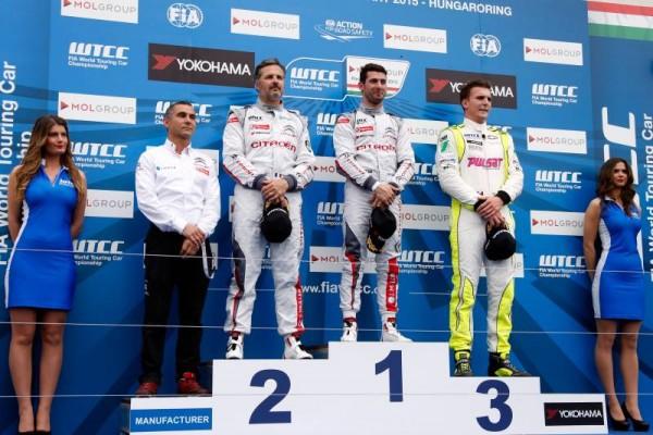 WTCC-2015-BUDAPEST-1ére-course-Victoire-de-LOPEZ-devant-MULLER-et-Hugo-VALENTE