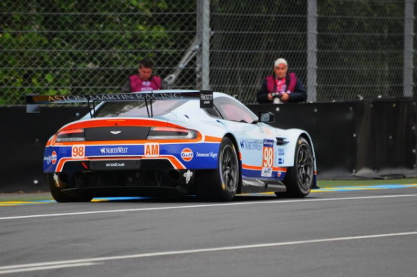 24-HEURES-DU-MANS-2015-ASTON-MARTIN-N°98-Photo-Patrick-MARTINOLI