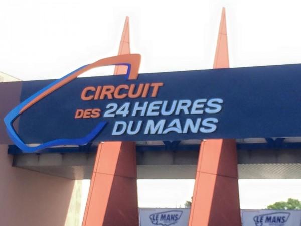 24 HEURES DU MANS 2015 Entree circuit des 24 HEURES DU MANS Photo autonewsinfo.