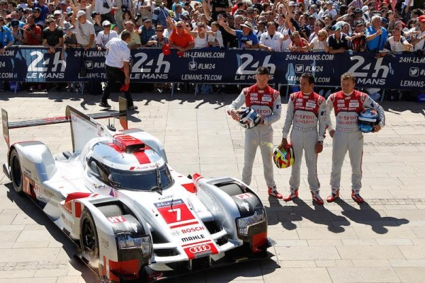 24-HEURES-DU-MANS-2015-PESAGE-7-juin-Equipe-AUDI-Equipage-N°7-Photo-Thierry-COULIBALY
