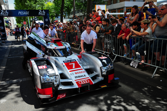 24-HEURES-DU-MANS-2015-PESAGE-7-juin-Equipe-AUDI-Photo-Thierry-COULIBALY