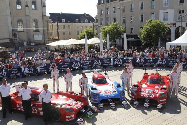 24-HEURES-DU-MANS-2015-PESAGE-7-juin-Equipe-NISSAN-Photo-Thierry-COULIBALY