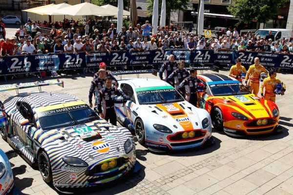 24-HEURES-DU-MANS-2015-PESAGE-Présentation-EQUIPE-ASTON-MARTIN-Photo-Thierry-COULIBALY