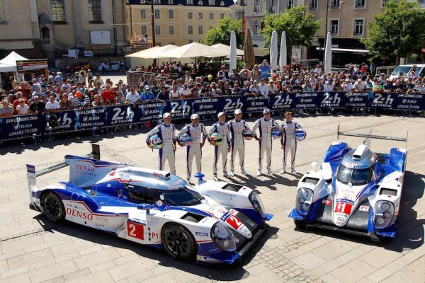 24 HEURES DU MANS 2015 - PESAGE Présentation EQUIPE TOYOTA - Photo Thierry COULIBALY