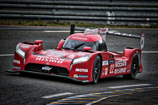 24-HEURES-DU-MANS-2015-Test-La-NISSAN-GT-R-NISMO-N°-22-Photo-Gilles-VITRY