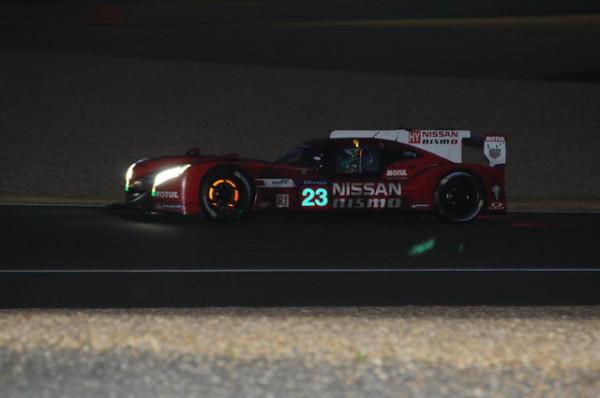 24-Heures-du-Mans-2015-Nissan-33-au-freinage-Photo-Patriclk-Martinoli.