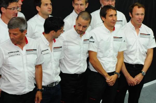 24-Heures-du-Mans-2015-Pilotes-et-staff-Porsche-portaient-des-montres-Chopard-Photo-Patrick-Martinoli