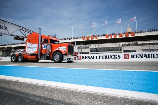 CAMION-2015-GP-DU-CASTELLET-Du-GRAND-SPECTACLE.
