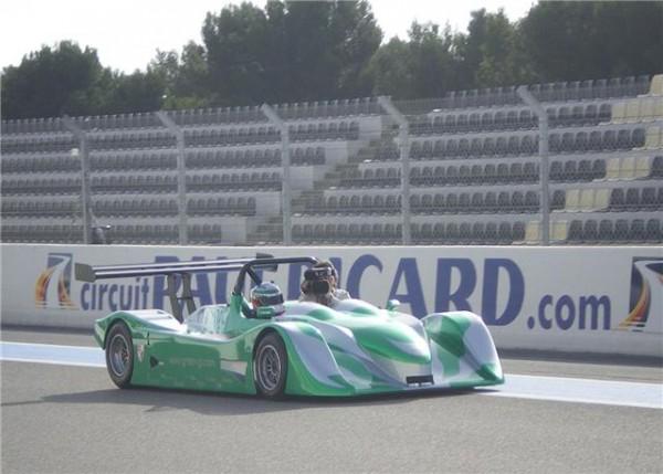 Green-GT-  Toute 1ére présentation du premier prototype sur le circuit Paul Riczard en mars 2011  et piloté par l'Italien Christian Pescacori   Photo autopnewsinfo