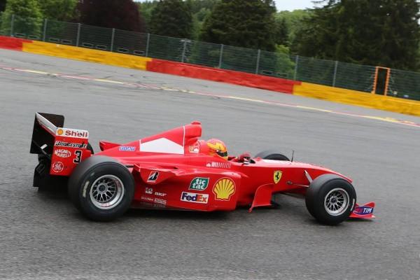 MIDENA-TRACKDAYS-2015-Ferrari-F300-ex-Schumacher-pilotée-par-le-patron-des-modena-Trackdays-©-Manfred-GIET.