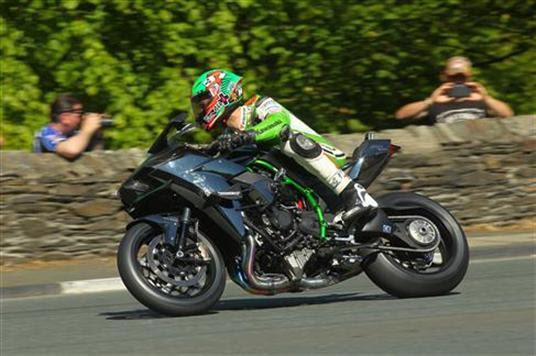TT 2015 JAMES HILLIER Team KAWASAKI