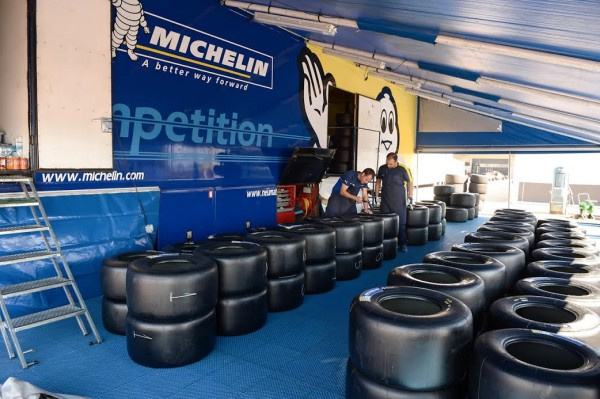 MICHELIN-avant-les-1ers-essais-Photo-Antoine-CAMBLOR