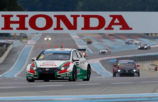 WTCC-2014-PAUL-RICARD-La-HONDA-CIVIC-WTCC-de-Gabriele-TARQUINI.