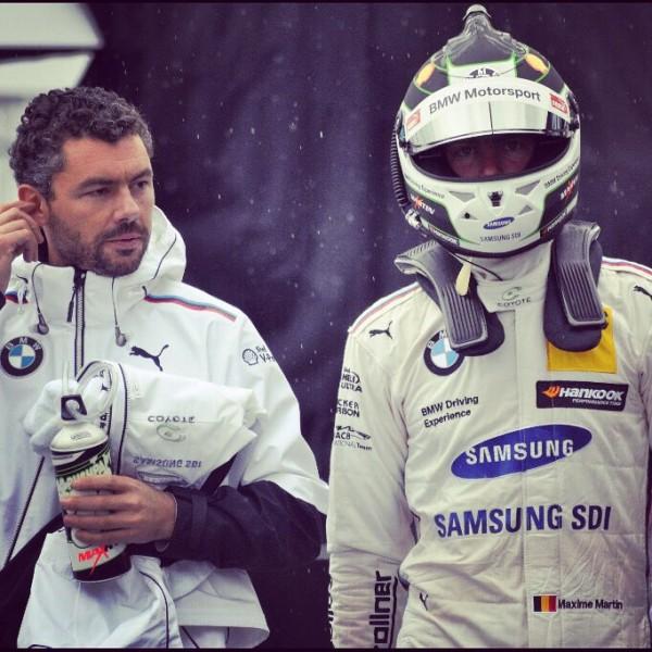 """24-HEURES-DE-SPA-2015-La-BMW-MARC-VDS-lors-de-la-session-nocturne-jeudi-23-juillet-Photo-SRO-VISION-SPORT-AGENCY 24-HEURES-DE-SPA-2015-La-BMW-MARC-VDS-lors-de-la-session-nocturne-jeudi-23-juillet-Photo-SRO-VISION-SPORT-AGENCY C'est la BMW Z4 n°45 du Team Marc VDS qui s'est montrée la plus rapide à l'issue des deux premières séances de qualifications des 24 Heures de Spa, dont la seconde s'est disputée de nuit ce jeudi soir et dont le départ sera donné ce samedi sur le toboggan Ardennais de Francorchamps. Chrono réalisé lors de la première séance qualificative de ces 24 Heures de Spa, quatrième manche de la série Blancpain Endurance 24-HEURES-DE-SPA-2015-La-BMW-VDS-la-plus-rapide-des-essais-libres-jeudi-23-juillet-Photo-SRO-SPORT-VISION-SPORT-Agency 24-HEURES-DE-SPA-2015-La-BMW-VDS-la-plus-rapide-des-essais-libres-jeudi-23-juillet-Photo-SRO-SPORT-VISION-SPORT-Agency La BMW Z4 GT3 N°45 du Team Marc VDS, que se partagent le Belge Maxime Martin, le Brésilien Augusto Farfus et l'Allemand Dirk Werner, signe donc pour l'instant le meilleur temps en 2'18""""397, devançant l'Audi R8 LMS N°1 du Team Audi Belgian WRT du trio composé du Belge Laurens Vanthoor et des Allemands  Markus Winkelhock et René Rast, seconde en 2'18""""406, à 0""""009. 24-HEURES-DE-SPA-2015-AUDI-R8-LMS-N°1-du-Team-AUDU-BELGIAN-WRT-jeudi-23-juillet-Photo-SRO-VISION-SPORT-AGENCY. 24-HEURES-DE-SPA-2015-AUDI-R8-LMS-N°1-du-Team-AUDU-BELGIAN-WRT-jeudi-23-juillet-Photo-SRO-VISION-SPORT-AGENCY. Suivent dans l'ordre, la Ferrari 458 Italia GT3 de l'écurie Suisse Kessel Racing, confiée au quatuor, Michael Broniszewski, Alessandro Bonacini, Michael Lyons, et Andrea Piccini, troisième en 2'18""""528, à 0""""131, puis l' Audi R8 LMS de l'équipe Allemande Phoenix Racing pilotée par Christian Mamerow, Christopher Mies et Nicki Thiim, quatrième en 2'18""""574, à 0""""177. Le Top 5 étant complété par l'Aston Martin Vantage GT3, du Leonard Motorsport AMR de l'équipage Tom Onslow Cole, Stuart Leonard, Michael Meadows et Stefan Mücke en 2'18""""59"""