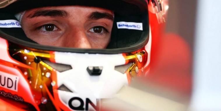 F1  2013 - JULES BIANCHI  casque - photo Team