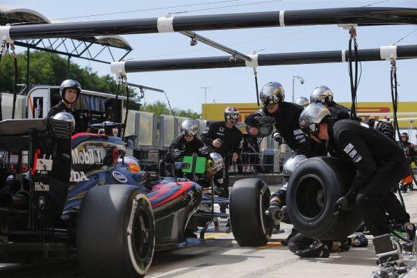F1-2015-BUDAPEST-MCLARE-ET-ALONSO-obtiennent-une-belle-place F1-2015-BUDAPEST-MCLARE-ET-ALONSO-obtiennent-une-belle-place