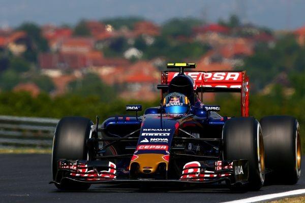F1-2015-BUDAPEST-TORO-ROSSO-RENAULT-DE-CARLOS-SAINZ