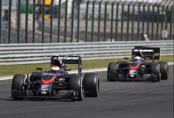 F1 2015 BUDAPEST les deux MCLAREN HONDA