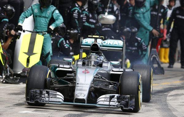 F1-2015-SILVERSTONE-NICO-ROSBERG-MERCEDES