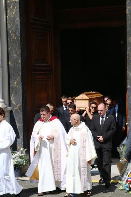 FUNERAILLES-DE-JULES-BIANCHI-Mardi-21-juillet-2015-a-NICE-Son-cercueil-porté-par-ses-amis-pilotes-Photo-Jean-Francois-THIRY