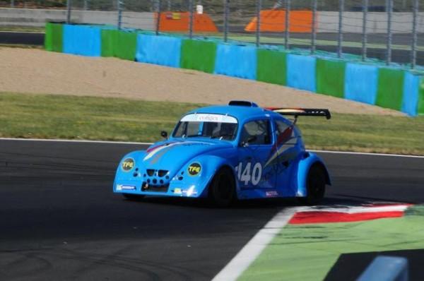 Funcup2015-12-H-de-Magny-Cours-Finalement-la-140-sera-privée-de-podium-par-celle-des-Robin-Père-et-Fils-Photo-Daniel-Noly