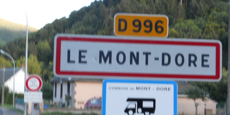 MONTAGNE 2012 Panneau Mont Dore