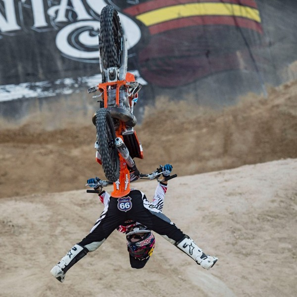 MOTO-RED-BULL-X-FIGHTERS-2015-MADRID-LEVI-SHERWOOD-
