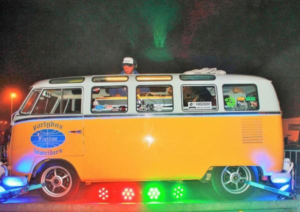 Super-VW-Fest-2015-Animation-du-camping-du-Houx-avec-ce-COMBI-discothèque-Photo-Emmanuel-LEROUX