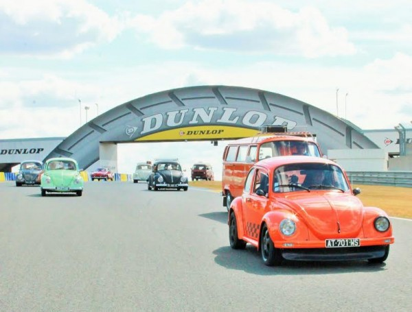 Super-VW-Fest-2015-Magique-le-passage-sous-le-Dunlop-Photo-Emmanuel-LEROUX