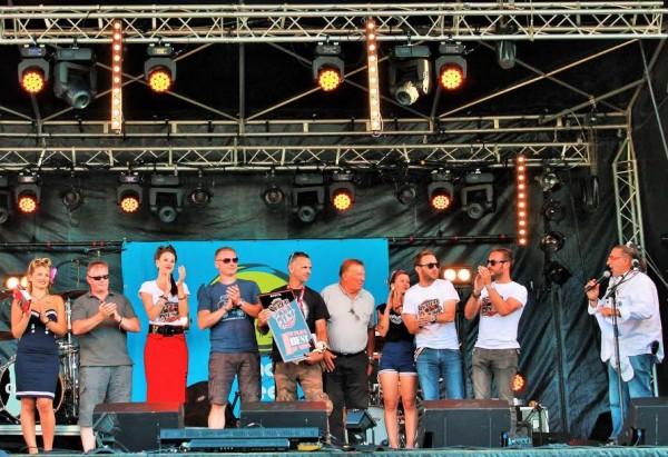 Super-VW-Fest-2015-Remise-des-prix-du-TOP15-avec-les-trois-premiers-sur-scène.-Photo-Emmanuel-LEROUX.