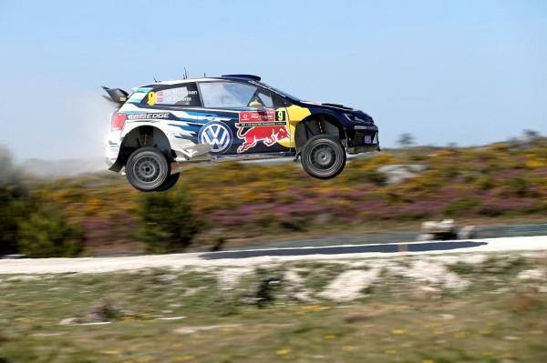 WRC-2015--La-VW-de-Andreas-MIKKELSEN