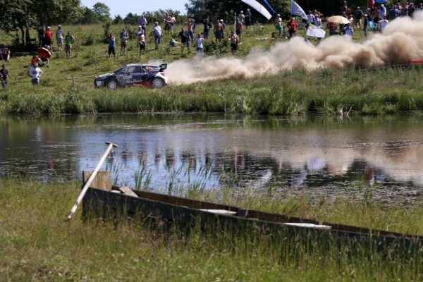 WRC-2015-POLOGNE-CITROEN-DS-3-de-MADS-OSTBERG