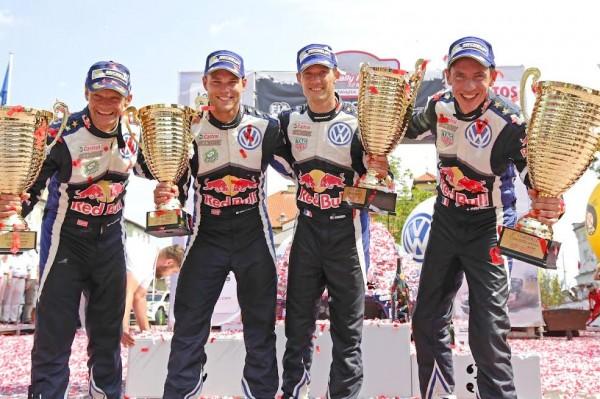WRC-2015-POLOGNE-LE-podium-avec-OGIER-et-MIKKELSEN-les-deux-1ersOla Fløene (N), Andreas Mikkelsen (NOR), Sébastien Ogier (F), Julien Ingrassia (F) WRC Rally Poland 2015
