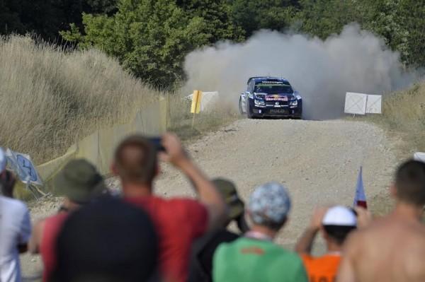 WRC-2015-POLOGNE-VW-POLO-WRC-de-Sebastien-OGIER-et-Julien-INGRASSIA