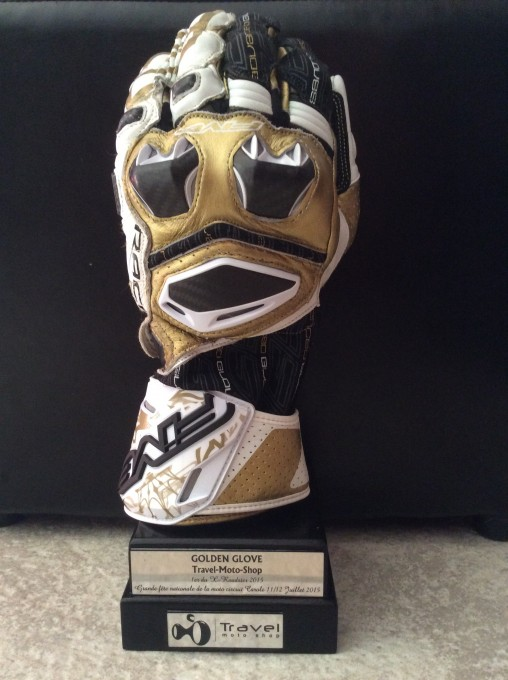 LE GOLDEN GLOVE