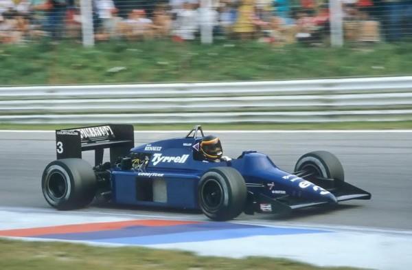 BELLOF-1985-Tyrell-014-Zeltweg-GP-dAutriche-©-Manfred-GIET