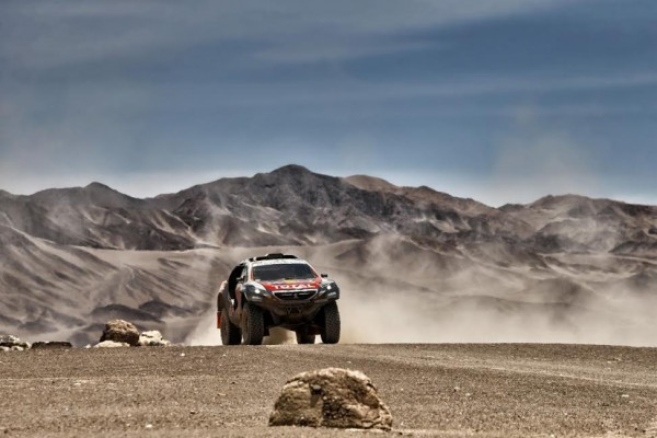 CHINA-GRAN-RALLY-2015-La-PEUGEOT-2008-DKR