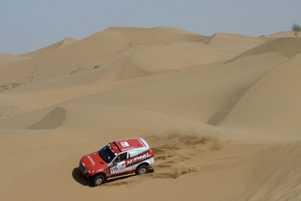 CHINA-SILK-ROAD-RALLY-2015-Christian-Lavieille-le-coéquipier-du-Chinois-Han-Han-au-sein-de-léquipe-HAVAL 115 CHRISTIAN LAVIEILLE - JEAN-PIERRE GARCIN - FRA - HAVAL HAVAL during the 2015 China Silk Road rally, stage 2, from Zhong Wei to Tian E Lake on august 31th 2015, China. Photo Eric Vargiolu / DPPI