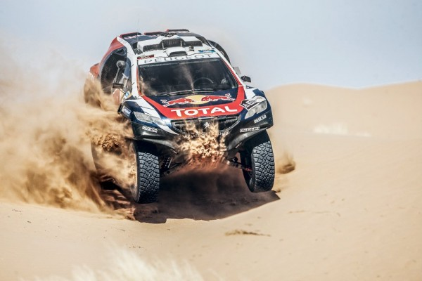 CHINA-SILK-ROAD-RALLY-2015-PEUGEOT2008-DKR