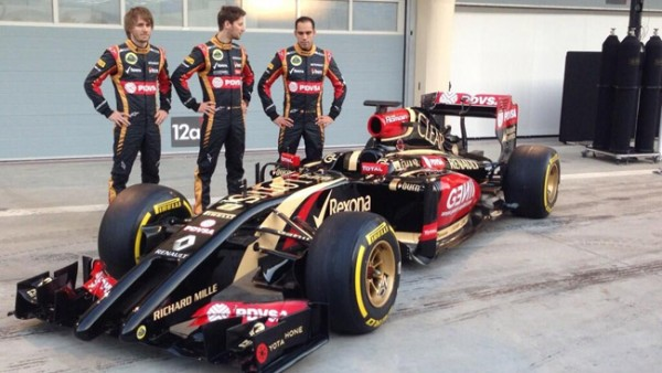 F1-2014-LOTUS-LEZS-3-PILOTES-GROSJEAN-MALDONADO-et Charles PIC Photo Max MALKA