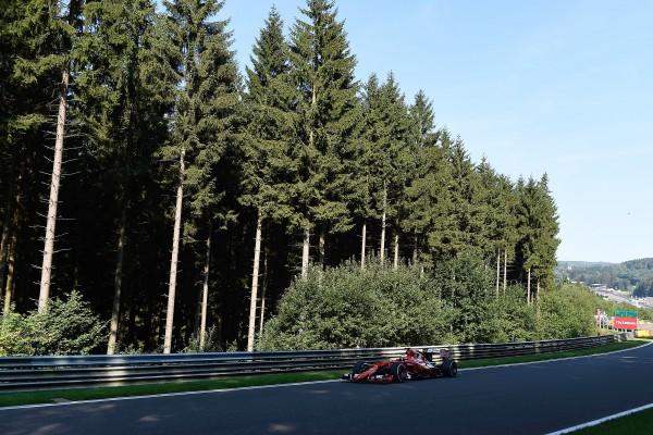 F1-2015-SPA-La-FERRARI-de-SEBASTIAN-VETTEL