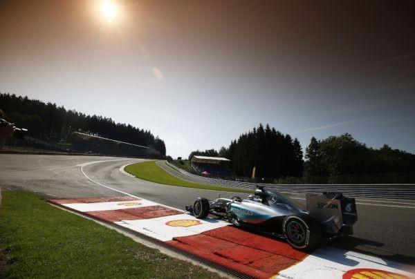 F1 2015 SPA La MERCEDES de LEWIS HAMILTON  10 éme pole de la saison en 11 tentatives