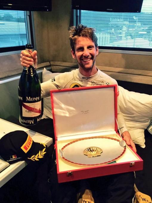 F1-2015-SPA-La-joie-de-ROMAIN-GROSJEAN-formidable-3éme-sur-le-podium-du-GP-de-BELGIQUE-ce-dimanche-23-aout-2015-a-Francorchamps