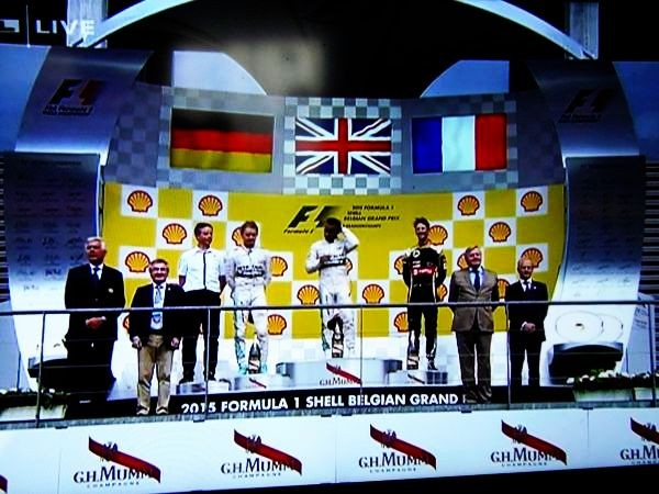 F1-2015-SPA-Le-podium-avec-HAMILTON-1er-ROSBERG-second-et-GROSJEAN-3éme.