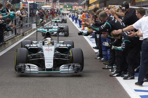 F1-2015-SPA-Retour-des-MERCEDES-1ére-et-2éme-di-GP-de-BELGIQUE