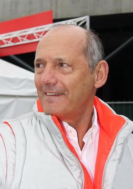 F1-Ron-DENNIS-sait-déjà-ce-quil-adviendra-de-Button-en-2016-©-Manfred-GIET.