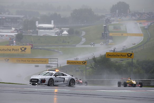 F3-2015-RED-BULL-RING-PACE-CAR-pour-la-3éme-course-sous-la-pluie