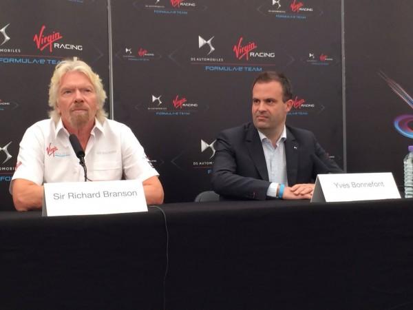 FORMULE-E-2015-LONDRES-Sir-ROCHARD-BRANSON-et-Yves-BONNEFOND-de-CITROEN-lors-de-la-Conférence-DS-le-samedi-27-juin